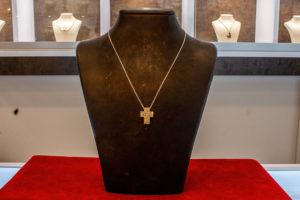 Goldkreuz mit Diamanten - Goldankauf Johan